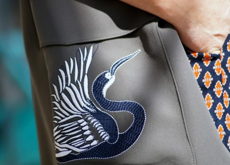 Kamizelka z haftem w stylu militarnym