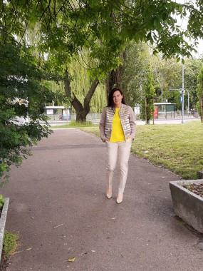 Żółta bluzka 1