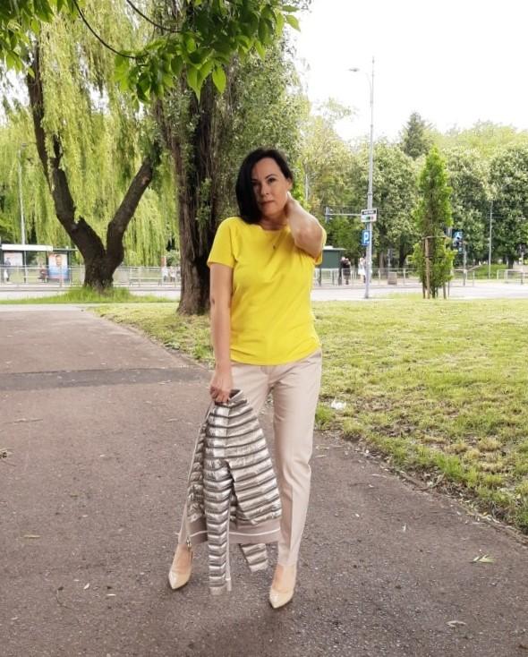 Żółta bluzka 15