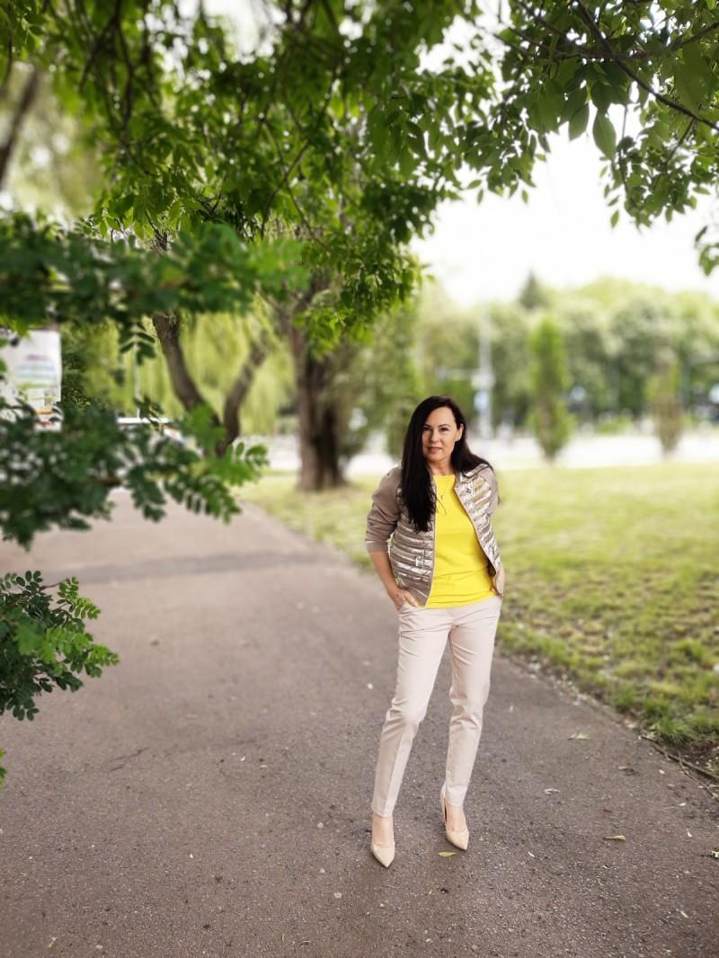 Żółta bluzka 5